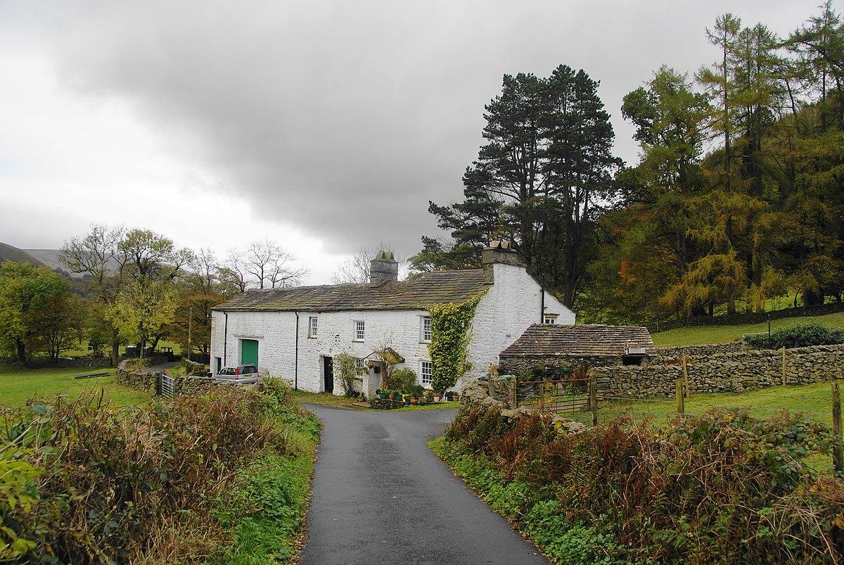 Brackensgill Farmhouse.jpg