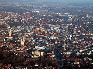 Braunschweig Luftaufnahme Innenstadt (2011).JPG