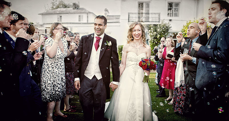 File:Bubbles confetti Dryham Park country club wedding.jpg