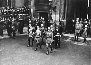 August von Mackensen - Mackensen and Hitler in 1935 during the Heldengedenktag in Berlin