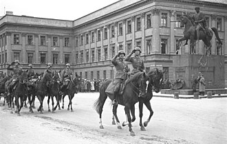 Biuro Szyfrów - German horse artillery parading before the Saxon Palace, autumn 1939.  Hitler also, in his Mercedes, took part in a parade before the Saxon Palace.