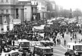 Bundesarchiv Bild 183-1990-1103-014, Berlin, Unter den Linden, Antifa-Demonstration.jpg