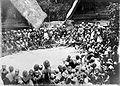 COLLECTIE TROPENMUSEUM Berechting in aanwezigheid van het Europese bestuur bij een erfeniszaak te Oerat Samosir Sumatra TMnr 10001806.jpg