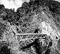 COLLECTIE TROPENMUSEUM Een brug op de Zuid-Smeruweg Oost-Java TMnr 10007584.jpg