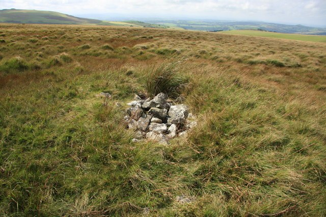Cairn north of Roos Tor - geograph.org.uk - 1468487
