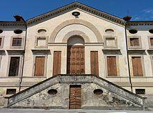 Il municipio vecchio o, ufficialmente, ex municipio in Piazza Bruno Viola