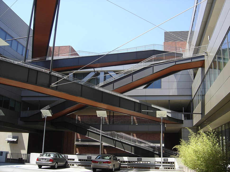 California Nanosystems Institute, interior walkways, UCLA