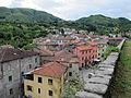 Camporgiano, veduta del paese dalla rocca.JPG