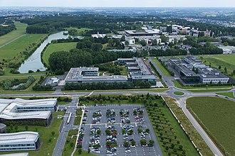 Paris-Saclay - Image: Campus Ecole polytechnique de palaiseau
