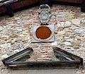 Cappella di villa saltagallina, stemma quaratesi.JPG