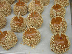 Caramel Peanut Candy Apples 2592px.jpg