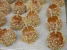 Chocolate Carmel Pecan Skllet Cake