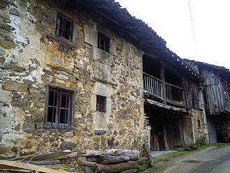 Casa asturiana wikipedia - Casas de piedra gallegas ...