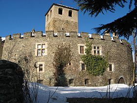 Castello di Introd.jpg