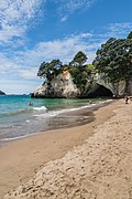 Cathedral Cove 07.jpg
