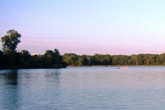Chain of Lakes (Minneapolis) - Image: Cedar Lake Minneapolis 2006 07 18