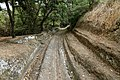 Cerveteri, necropoli della banditaccia, strada sepolcrale con resti di lastricature e canalina 02.jpg