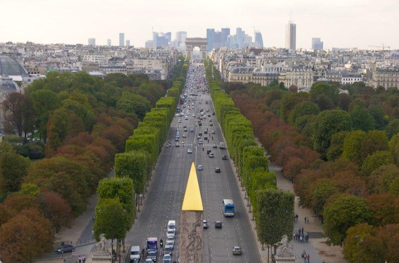 Champs-Elysées, vue de la Concorde à l'Etoile