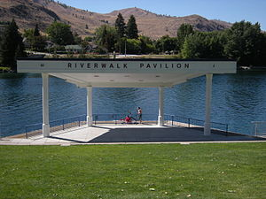 Chelan, Washington - Image: Chelan, WA Riverwalk Pavilion 02