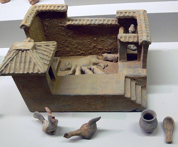 File:China Schweinestall Linden-Museum.jpg