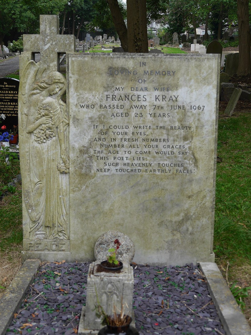 Chingford Mount Cemetery 12