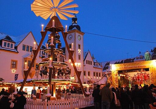 Christmarkt Freiberg mit Weihnachtspyramide