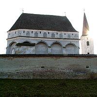 Cloasterf biserica fortificata1.jpg