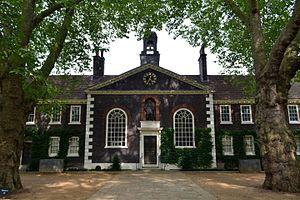 Geffrye Museum - Image: Cmglee London Geffrye Museum front