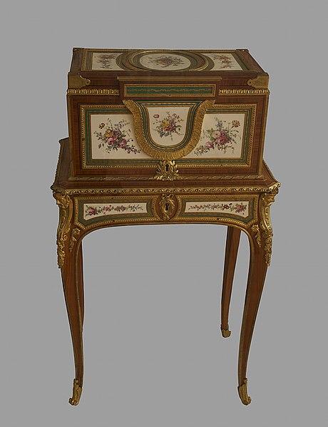 File:Coffre à bijoux Marie Antoinette Dauphine Martin Carlin V5807.jpg
