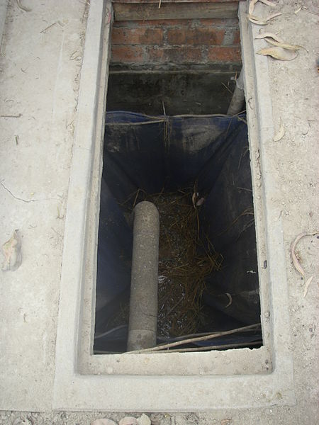 File:Composting chamber (3109539757).jpg