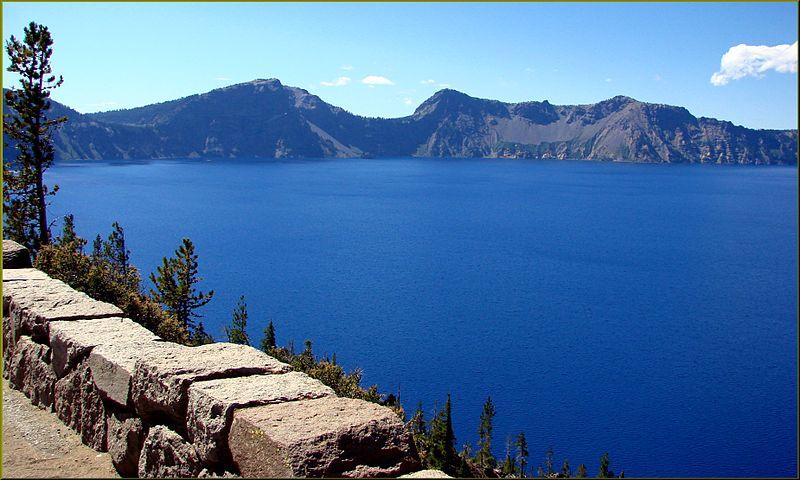 File:Crater Lake NP, OR, South Rim 8-28-13 (9859840863).jpg