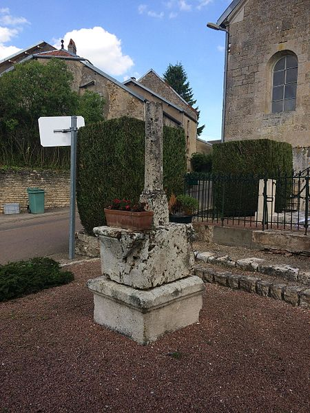 Croix de l'église de Charmoilles