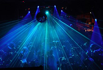 Fabric (club) - Image: Crowd and laser