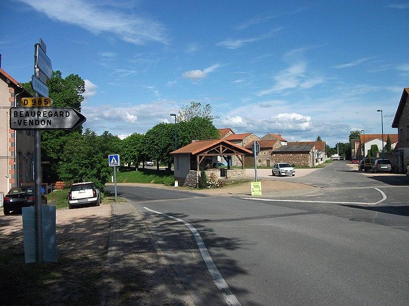 Departmental road 985 towards Aigueperse, in Saint-Myon, Puy-de-Dôme, Auvergne-Rhône-Alpes, France [10868]