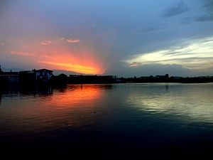 Sunset at Dal lake in Srinagar, capital of Jam...
