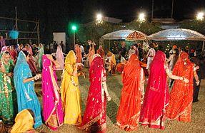 Gagra koli - Wikipedia's Gagra choli as translated by ...