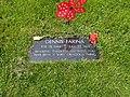 Dennis Farina Grave.jpg