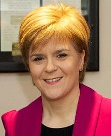 Vicsekretario, John King kun Unua Ministro de Skotlando, Nicolan Sturgeon (altranĉita).jpg