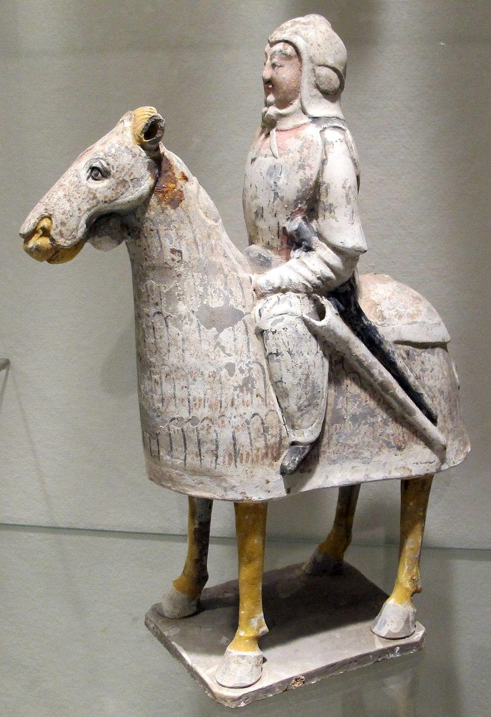 Dinastia qi del nord, guerriero a cavallo da un corredo funebre, 550-577 ca.