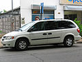 Dodge Grand Caravan SE 3.3 2003 (13632717353).jpg