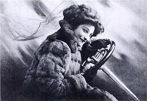 Car coat - Dorothy Levitt, early motoring 'scorcher' and advisor on what to wear