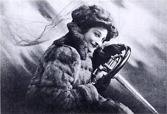 Dorothy Levitt - Dorothy Levitt on the frontispiece of The Woman and the Car