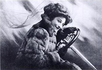 Dorothy Levitt Frontspiece to The Woman and the Car.jpg