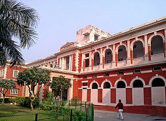 Daryaganj - Dr. Shroff's Charity Eye Hospital, estd. 1926, one of the many eye hospitals here