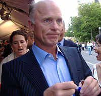 Ed Harris at TIFF 2005.jpg