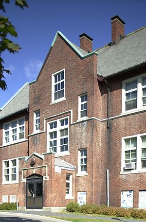 Edward B. Newton School - Image: Edward B Newton School Winthrop MA 03