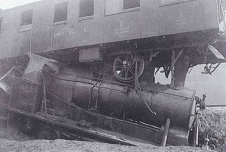 Railway accident in Willisau on 20 March 1923 with locomotive Ed 3/4 22 of the RSHB and second/third class carriage BC 6 of the HWB