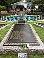 Elvis burial site.jpg