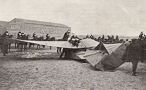 Henri Maurice Berteaux - Train monoplane after crash