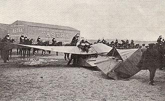 Henri Maurice Berteaux - Train monoplane after crash